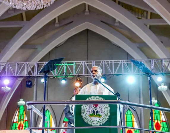 VP Yemi Osinbajo entertains Independence?dinner guests with stories of ?Nigerian swag?